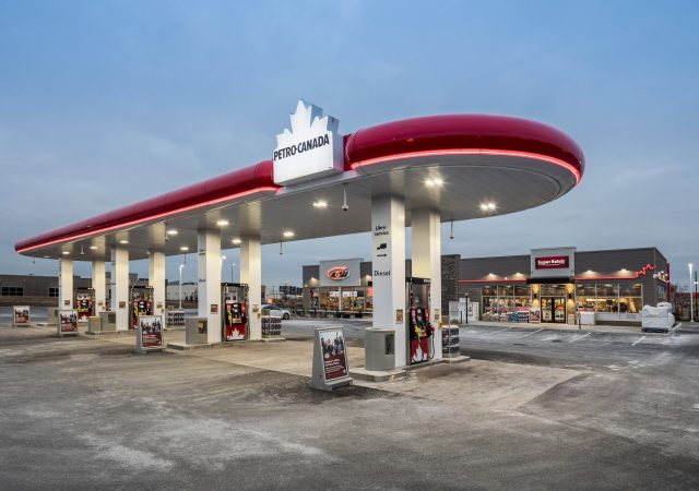 Station-service Petro-Canada, Lachenaie