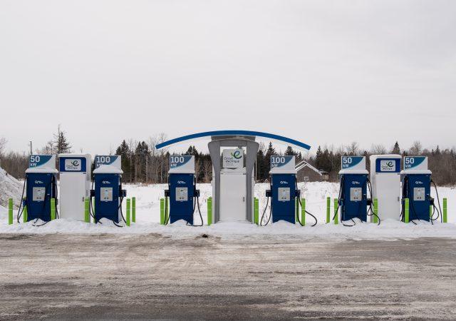 Installation de bornes de recharge rapides pour véhicules électriques